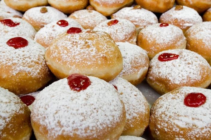 Sufganiyot (Chanukah Doughnuts) STBM Ralph Messer